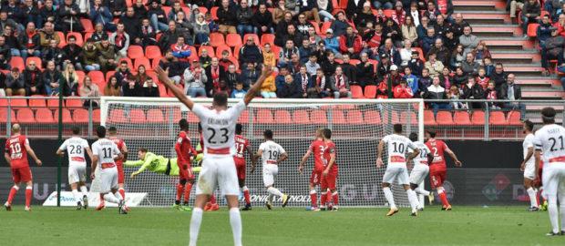 VAFC - Nîmes (1-2) : Les Nîmois enchaînent !